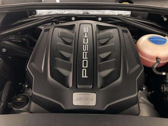 Certified Pre-Owned 2017 Porsche Macan S