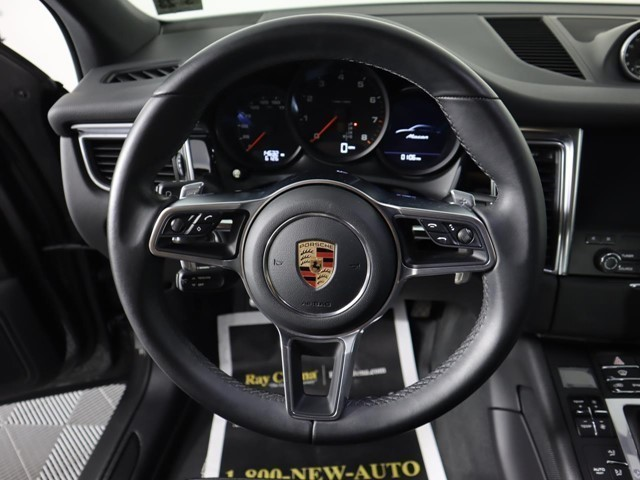 Certified Pre-Owned 2018 Porsche Macan